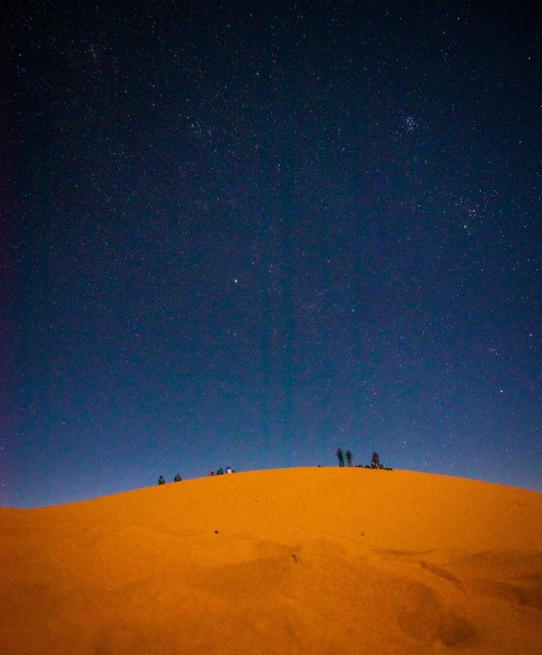 Oud en nieuw in de Sahara 2019/2020, begin vanuit Marrakech of Agadir en eindig in de woestijn met oud en nieuw.. Maatwerk mogelijk..