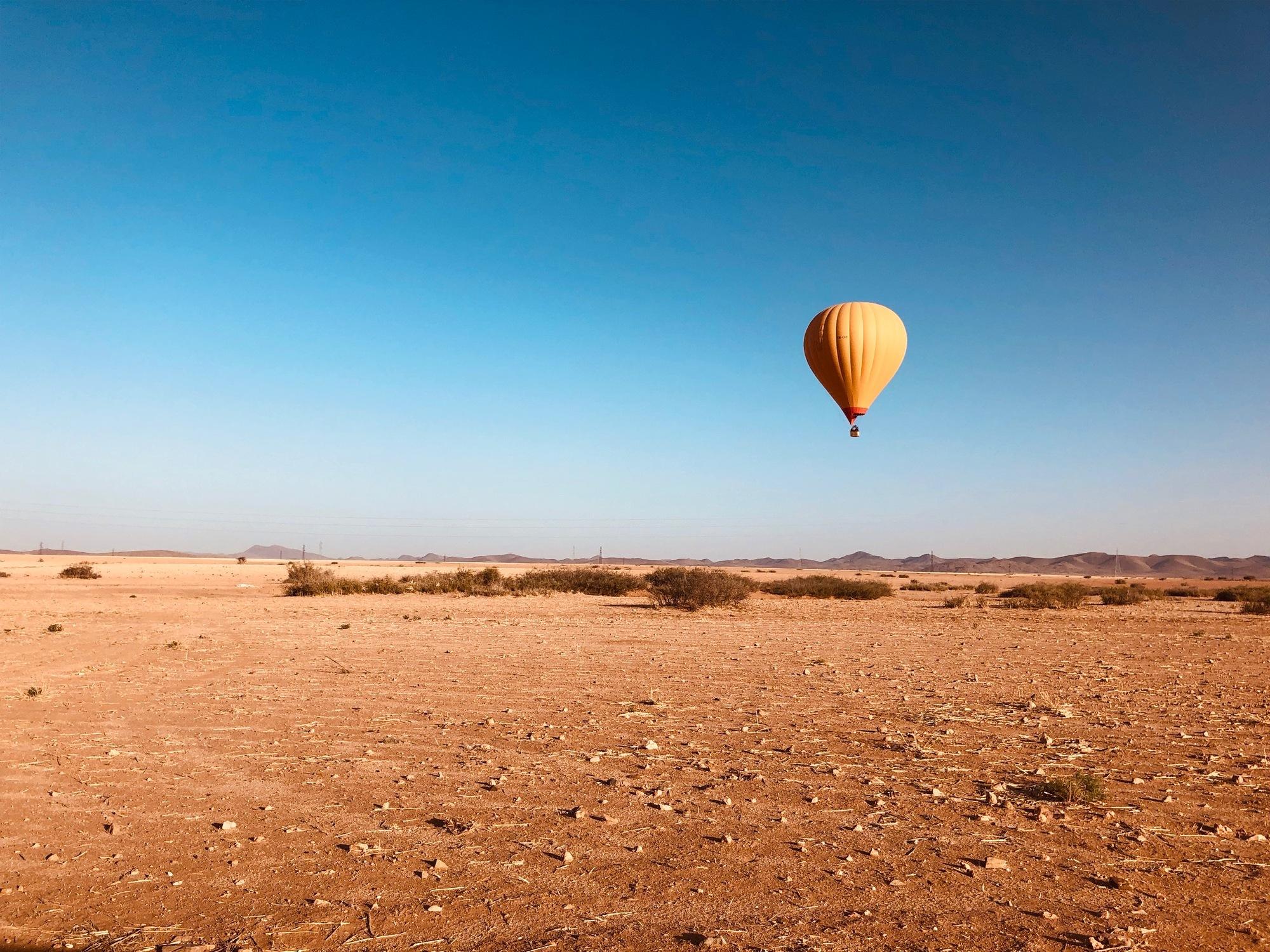 Professioneel uitgevoerde ballonvaarten boven de woestijn van Marrakech – Een  onvergetelijke ballonvaart bij zonsopgang boven de savanne woestijn, incl. ontbijt en Transport heen/terug vanuit jouw accommodatie!