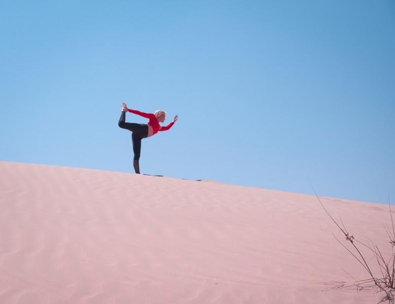 Yoga woestijn vakantie Marokko